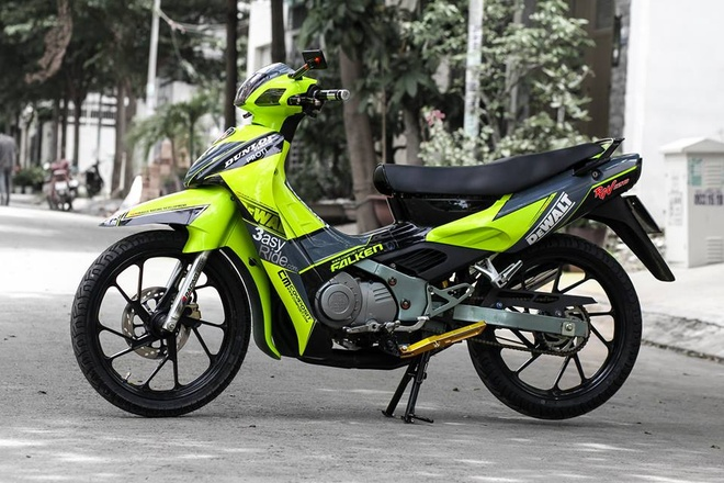 Suzuki RGV 120 voi mau xanh bat mat o Sai Gon hinh anh 5