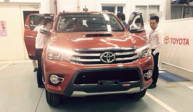 Toyota Hilux 2016 ve dai ly truoc ngay ra mat o Viet Nam hinh anh 2