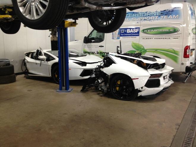 Lamborghini Aventador dut doi duoc rao ban gia 125.000 USD hinh anh