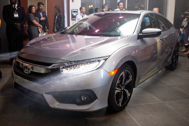 Honda Civic 2016 ro ri gia khoi diem tu 19.475 USD hinh anh