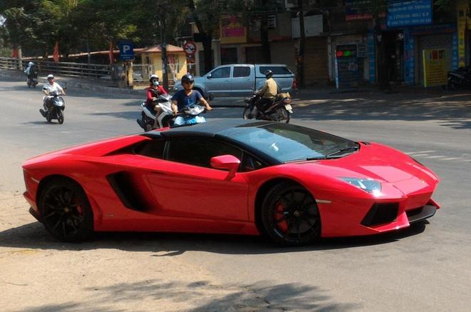 Lamborghini Aventador mui tran dau tien lan banh o Hai Phong hinh anh