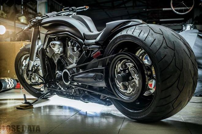 Harley-Davidson V-Rod do banh beo ham ho o Sai Gon hinh anh