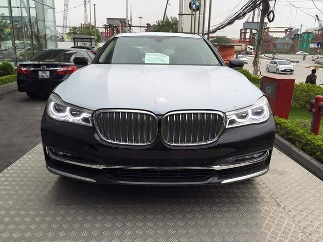 BMW 7-Series 2016 chinh hang dau tien ve Ha Noi hinh anh