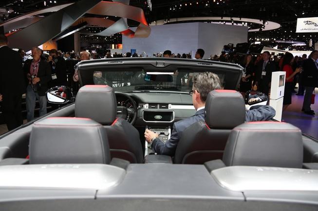 Chi tiet Range Rover Evoque mui tran vua ra mat o My hinh anh 3