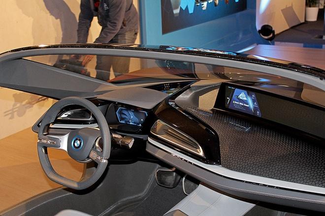 Y tuong BMW i8 Spyder tu dieu khien ra mat o CES 2016 hinh anh 4