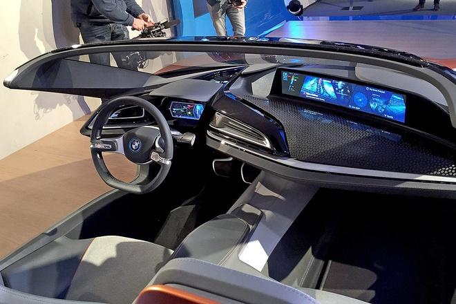 Y tuong BMW i8 Spyder tu dieu khien ra mat o CES 2016 hinh anh 5