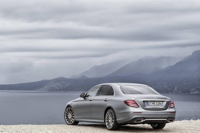 Mercedes-Benz E-Class the he thu 10 chinh thuc ra mat hinh anh 2