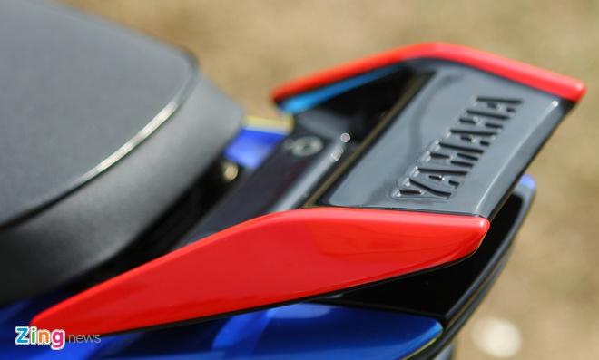 Yamaha Z son dan ao noi bat cua tin do Valentino Rossi hinh anh 6