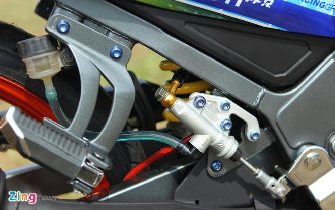 Yamaha Z son dan ao noi bat cua tin do Valentino Rossi hinh anh 8