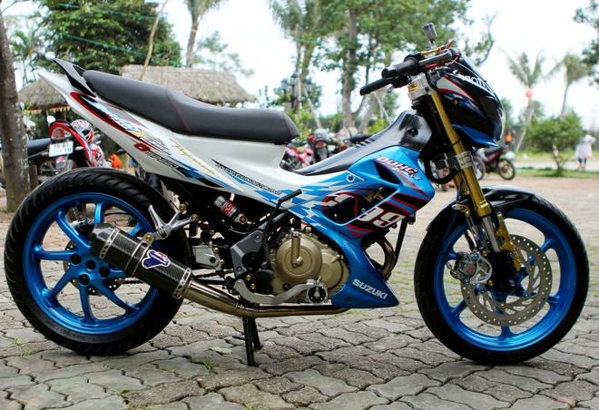 Suzuki Raider len do choi hang hieu cua biker Ha thanh hinh anh