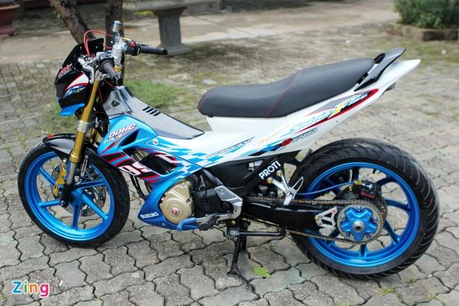 Suzuki Raider len do choi hang hieu cua biker Ha thanh hinh anh 1