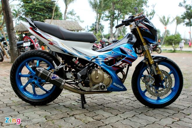 Suzuki Raider len do choi hang hieu cua biker Ha thanh hinh anh 9