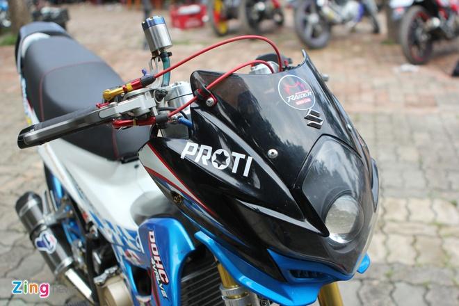 Suzuki Raider len do choi hang hieu cua biker Ha thanh hinh anh 2