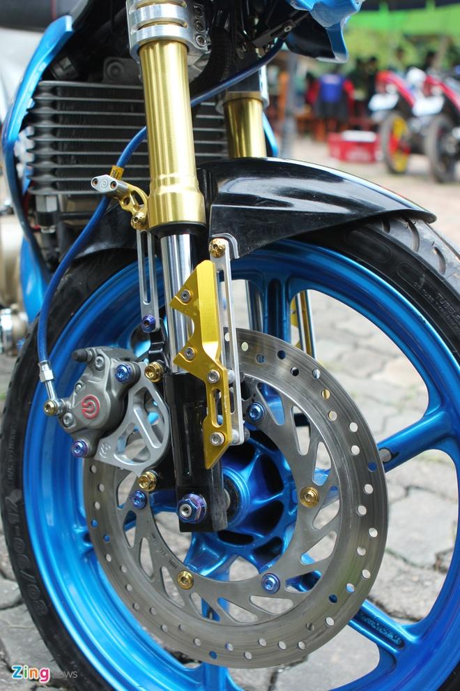 Suzuki Raider len do choi hang hieu cua biker Ha thanh hinh anh 3