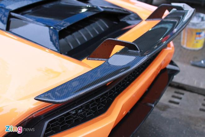Lamborghini Huracan mau doc cua dai gia Da Nang hinh anh 4