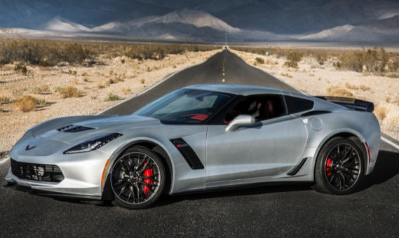 Chevrolet Corvette chay dien lap ky luc toc do 300 km/h hinh anh