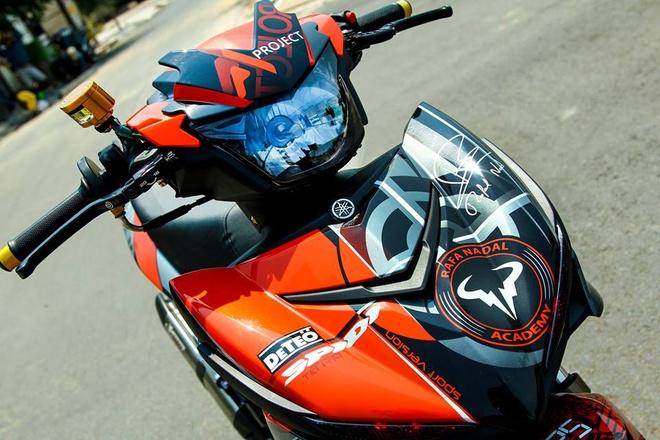Exciter 150 son dan ao mau cam cua biker Sai Gon hinh anh 3