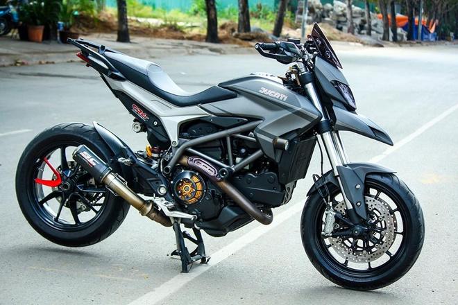 Ducati Hyperstrada son phoi mau xam den cua biker Sai Gon hinh anh