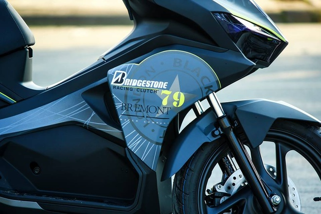 Honda Air Blade 2016 son tem dau mau xam Lamborghini hinh anh 4