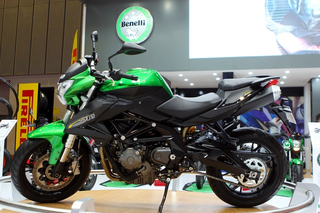 Dan moto Benelli o trien lam Vietnam Motorcycle Show 2016 hinh anh