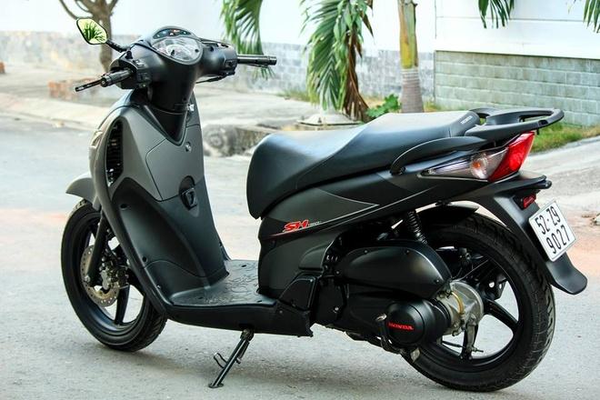 Honda SH 2008 son dan ao mau xam den thanh lich o Sai Gon hinh anh 5