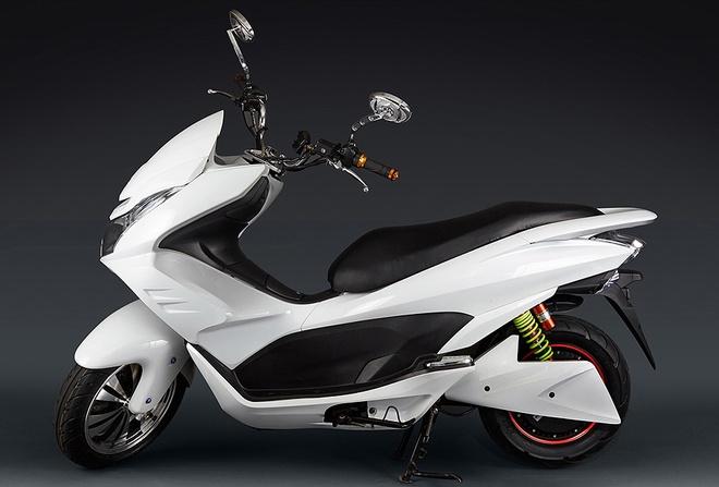 Xe may dien kieu dang Honda PCX chay 90 km mot lan sac hinh anh