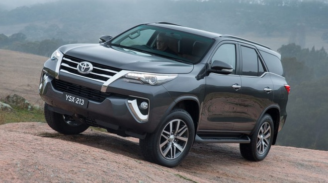 Toyota Fortuner 2016 co gia ban tu 47.000 USD o Malaysia hinh anh 1