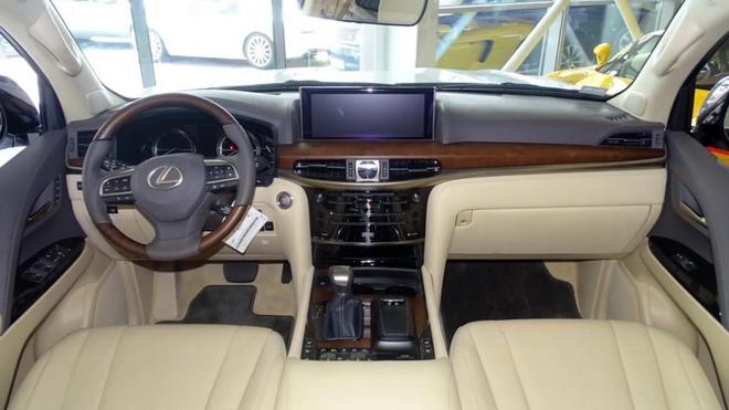 Lexus LX 570 cat mui gia hon 350.000 USD o Dubai hinh anh 4