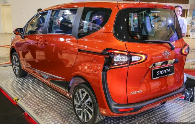 Xe 7 cho Toyota Sienta 2016 gia hon 22.000 USD o Malaysia hinh anh 2