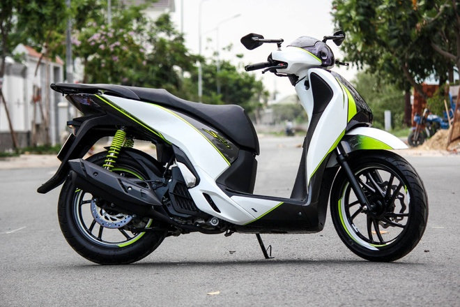 Honda SH 125i son phoi mau tre trung cua biker Sai Gon hinh anh 1