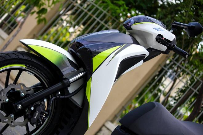 Honda SH 125i son phoi mau tre trung cua biker Sai Gon hinh anh 2