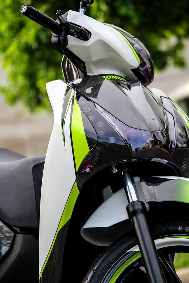 Honda SH 125i son phoi mau tre trung cua biker Sai Gon hinh anh 3