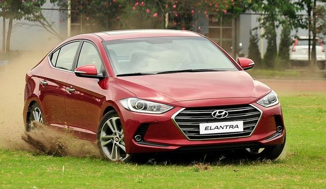 Hyundai Elantra 2016 - doi thu moi cua Mazda 3 o Viet Nam hinh anh