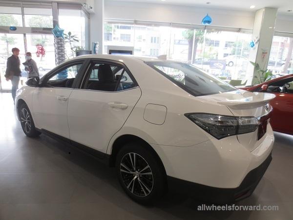 Toyota ra them Corolla Altis X voi ngoai that the thao hinh anh 5