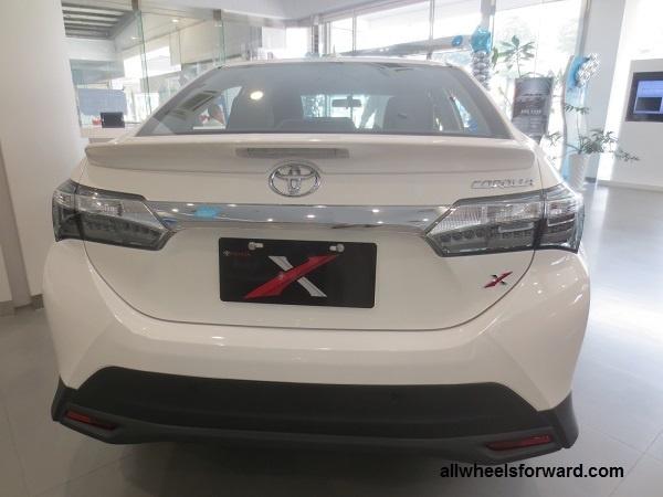Toyota ra them Corolla Altis X voi ngoai that the thao hinh anh 2