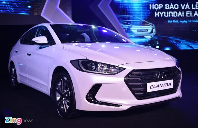 Hyundai Elantra 2016 noi co gia tu 615 trieu dong hinh anh 1
