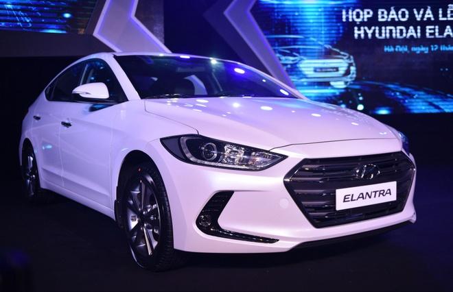 Hyundai Elantra 2016 noi co gia tu 615 trieu dong hinh anh