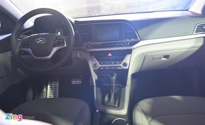 Hyundai Elantra 2016 noi co gia tu 615 trieu dong hinh anh 2