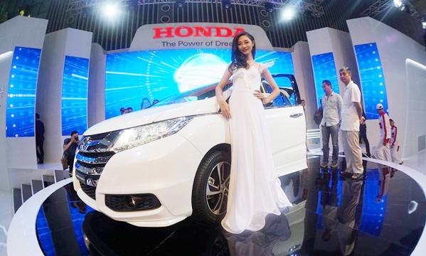 Vietnam Motor Show 2016 dien ra o Ha Noi, quy tu 13 hang xe hinh anh