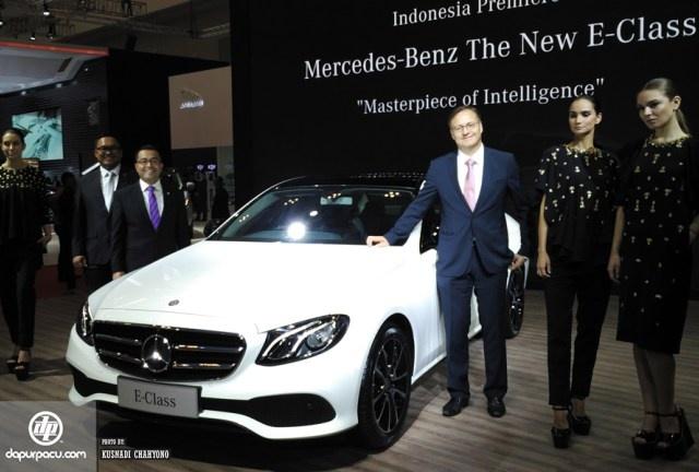 Mercedes E-Class moi co gia ban tu 90.000 USD o Indonesia hinh anh