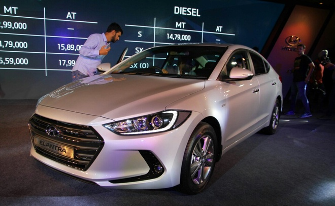 Hyundai Elantra 2016 co gia hon 19.000 USD o An Do hinh anh