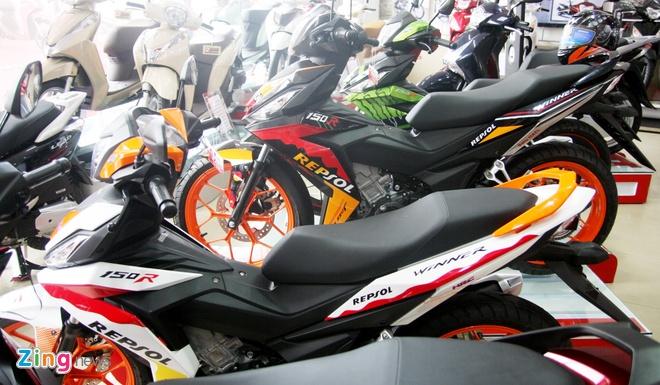 Loat Honda Winner 150 thay tem moi chinh hang o Viet Nam hinh anh 3