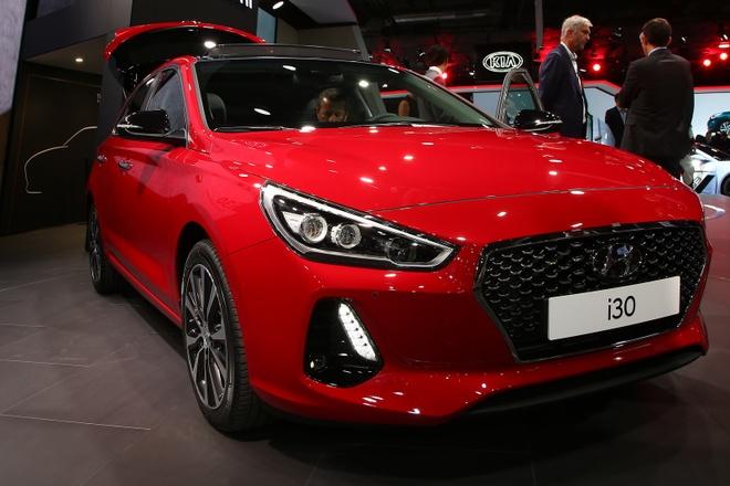 Chi tiet Hyundai i30 2017 vua ra mat o trien lam Paris hinh anh