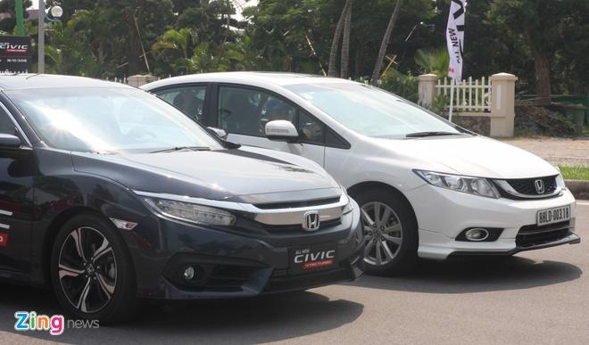So sanh Honda Civic the he moi va cu o Viet Nam hinh anh 2