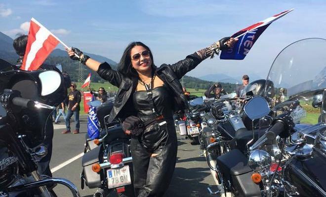 Nu biker Viet chay moto hon 3.000 km qua 5 nuoc chau Au hinh anh 2