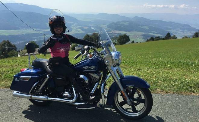 Nu biker Viet chay moto hon 3.000 km qua 5 nuoc chau Au hinh anh 3