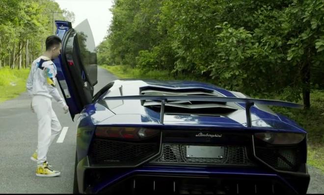 Minh Nhua va vo thu toc do cua Lamborghini Aventador SV hinh anh