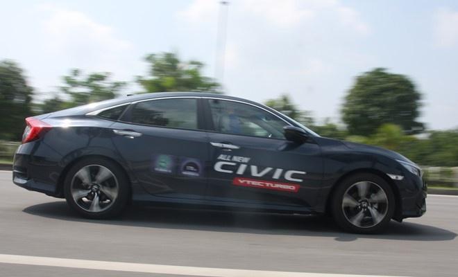 Honda Civic 2017 o Viet Nam khong bi loi phanh tay dien tu hinh anh 1