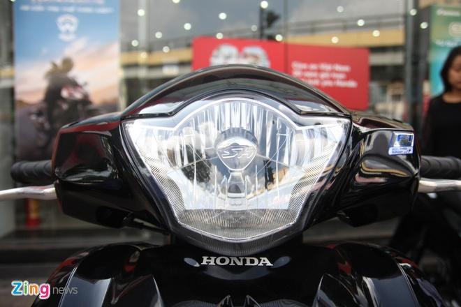 So sanh Honda SH 2017 va ban cu o Viet Nam hinh anh 4
