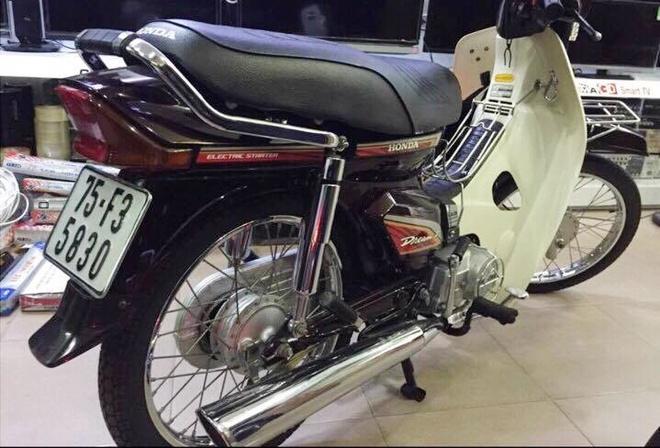 Anh Honda Dream II hang hiem 140 trieu chua ban o Sai Gon hinh anh 1